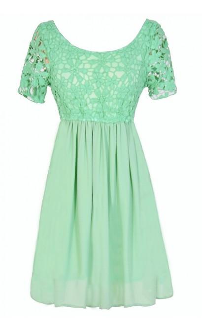 Flower Web Crochet Lace Dress in Mint