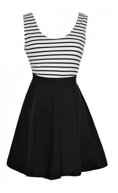 Between The Lines Crossback Stripe Dress in Black/White