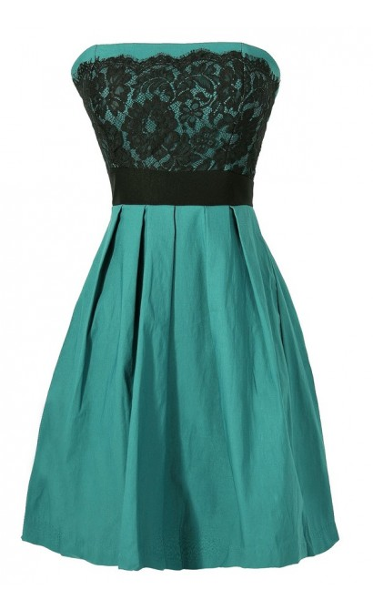 Laced With Style Contrast Dress With Pleated Skirt in Forest