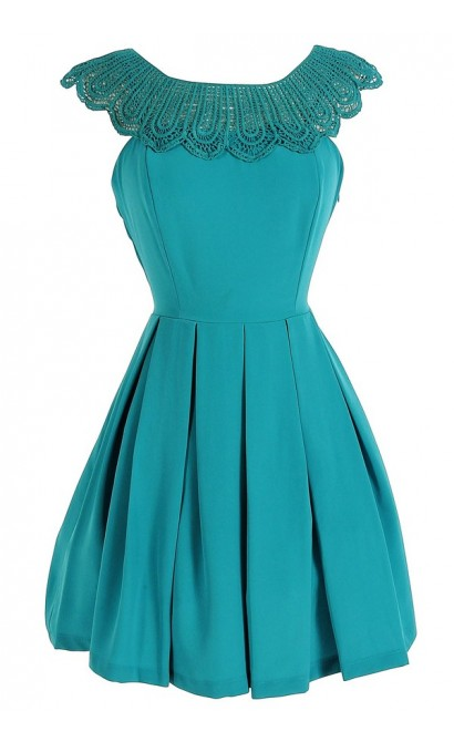 Crochet Lace Collar Pleated Dress in Jade