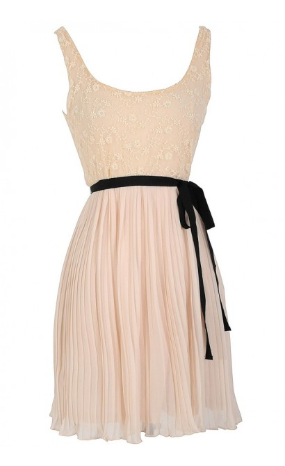Lace Top Pleated Chiffon Dress With Fabric Sash in Cream