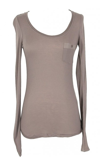 Basic Front Pocket Layering Tee in Mocha