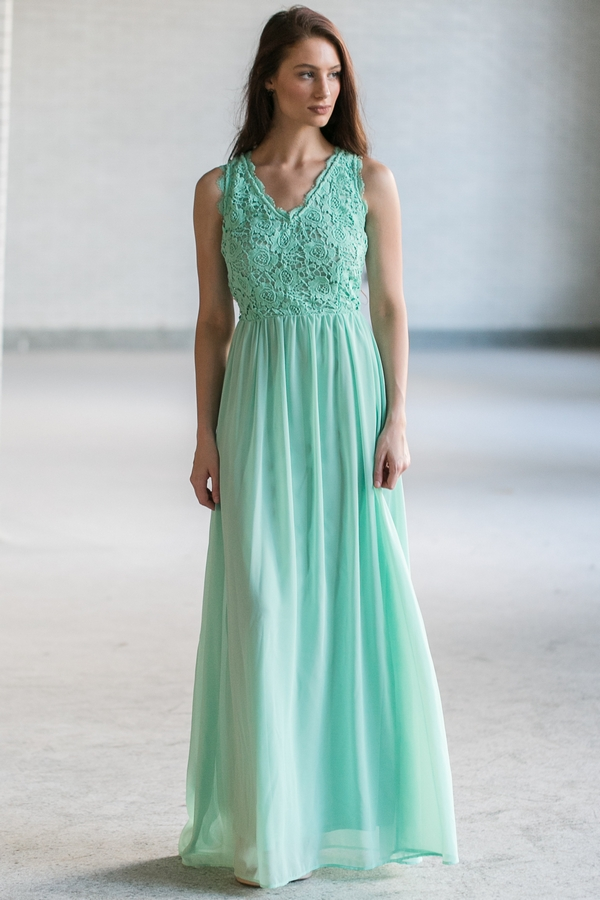 sweetheart chiffon emerald maxi dress