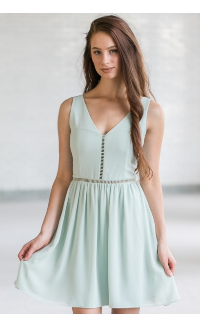 Soft and Sweet Chiffon Dress in Pale Mint