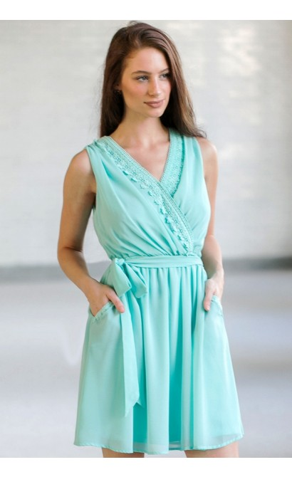 Pocket Full of Sunshine Dress in Mint