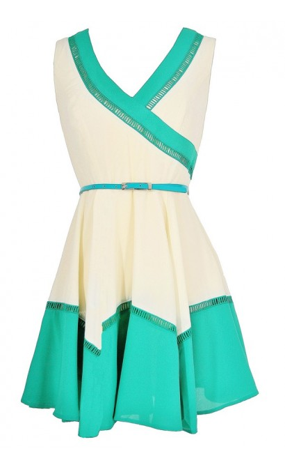 Colorblock Fun Belted Dress in Ivory/Green