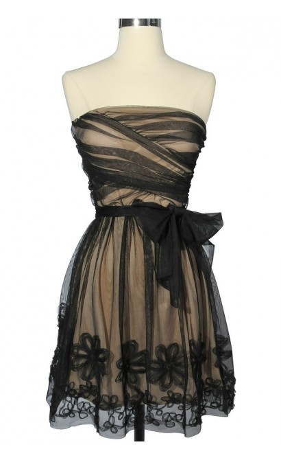 Tulle Flower Trim Strapless Dress in Black/Nude