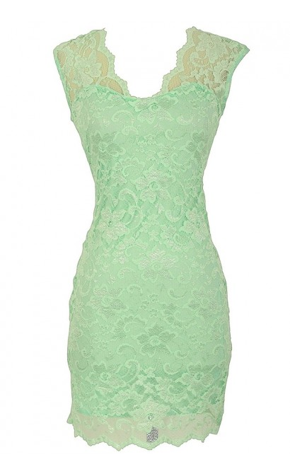 Maegan Floral Lace Open Back Fitted Dress in Mint