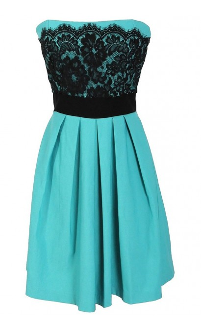Laced With Style Contrast Dress With Pleated Skirt in Jade