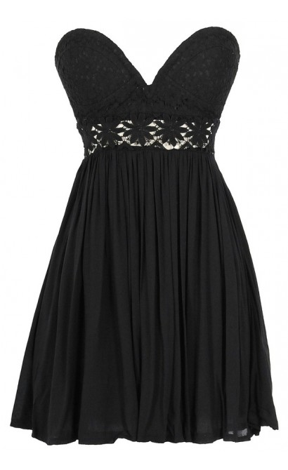 Fresh As A Daisy Strapless Lace Bustier Dress in Black