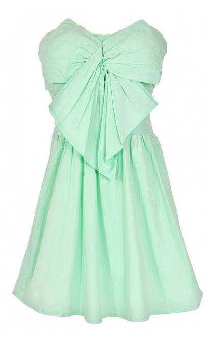 Peek A Bow Dress in Light Green