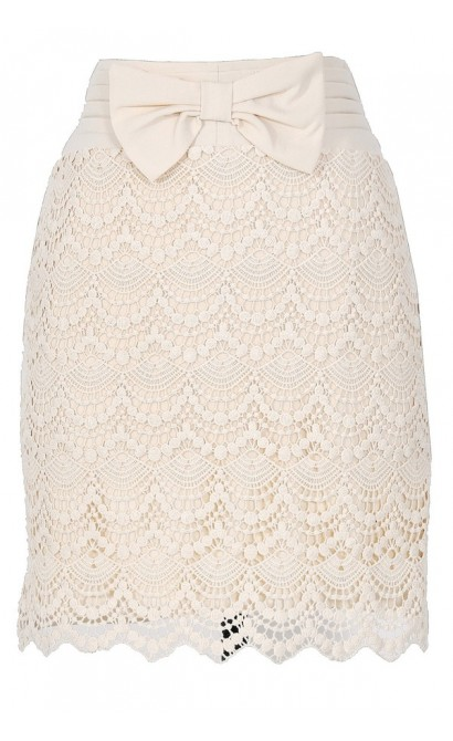 Bow Front Crochet Lace Pencil Skirt in Cream
