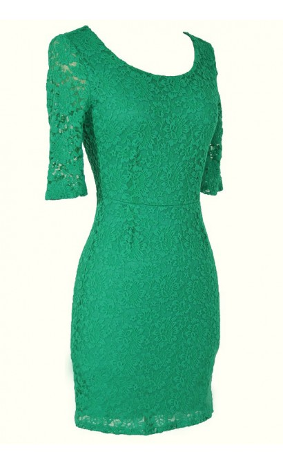 Elegant Fitted Floral Lace Dress in Green