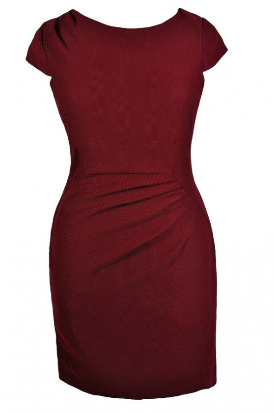 Textured Capsleeve Sheath Dress in Burgundy- Plus Size