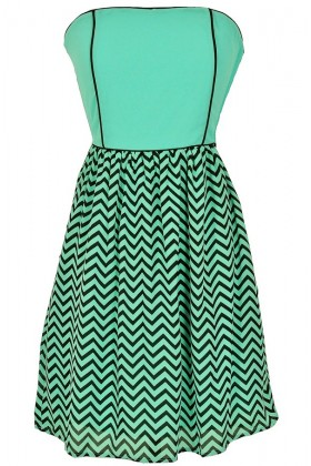 Wavelengths Chevron Contrast Dress in Mint
